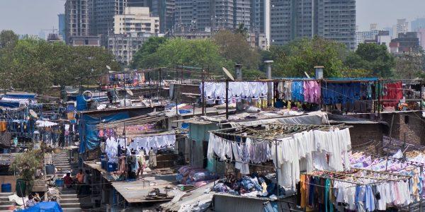 Bidonville gratte-ciels Indes Mumbai_HD